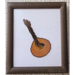 Guitarra castanha